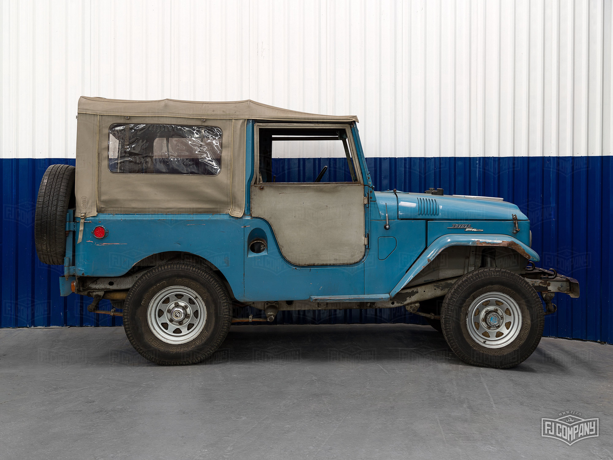 Land Cruisers For Restoration The Fj Company 1973 Toyota Cruiser Fj55 1960 Fj25 Skyblue 20890