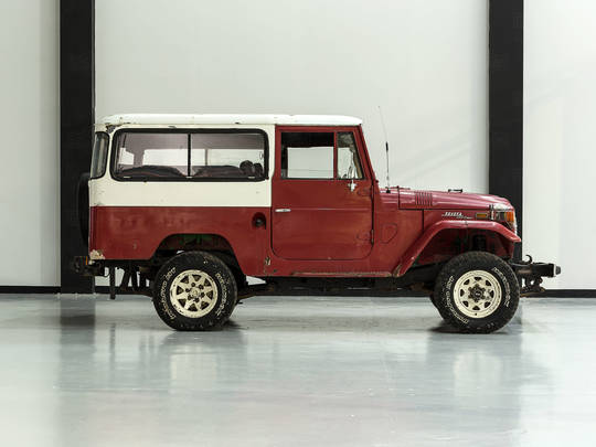 1970 Toyota Land Cruiser Freeborn Red FJ43