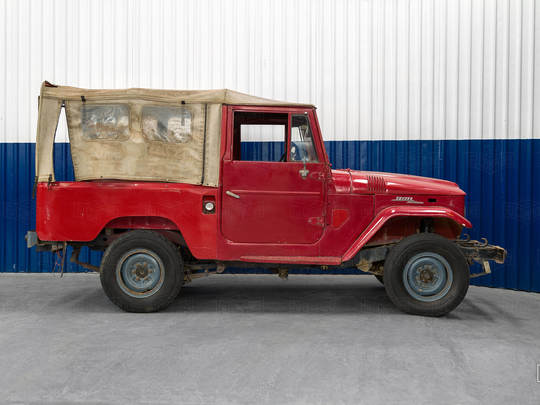This 1971 FJ43 will be a powerful weekend driver