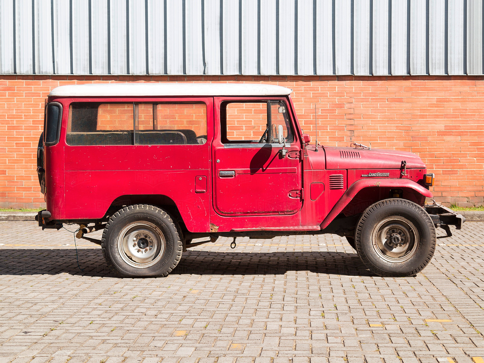 Toyota Land Cruiser 1977 FJ43 Red