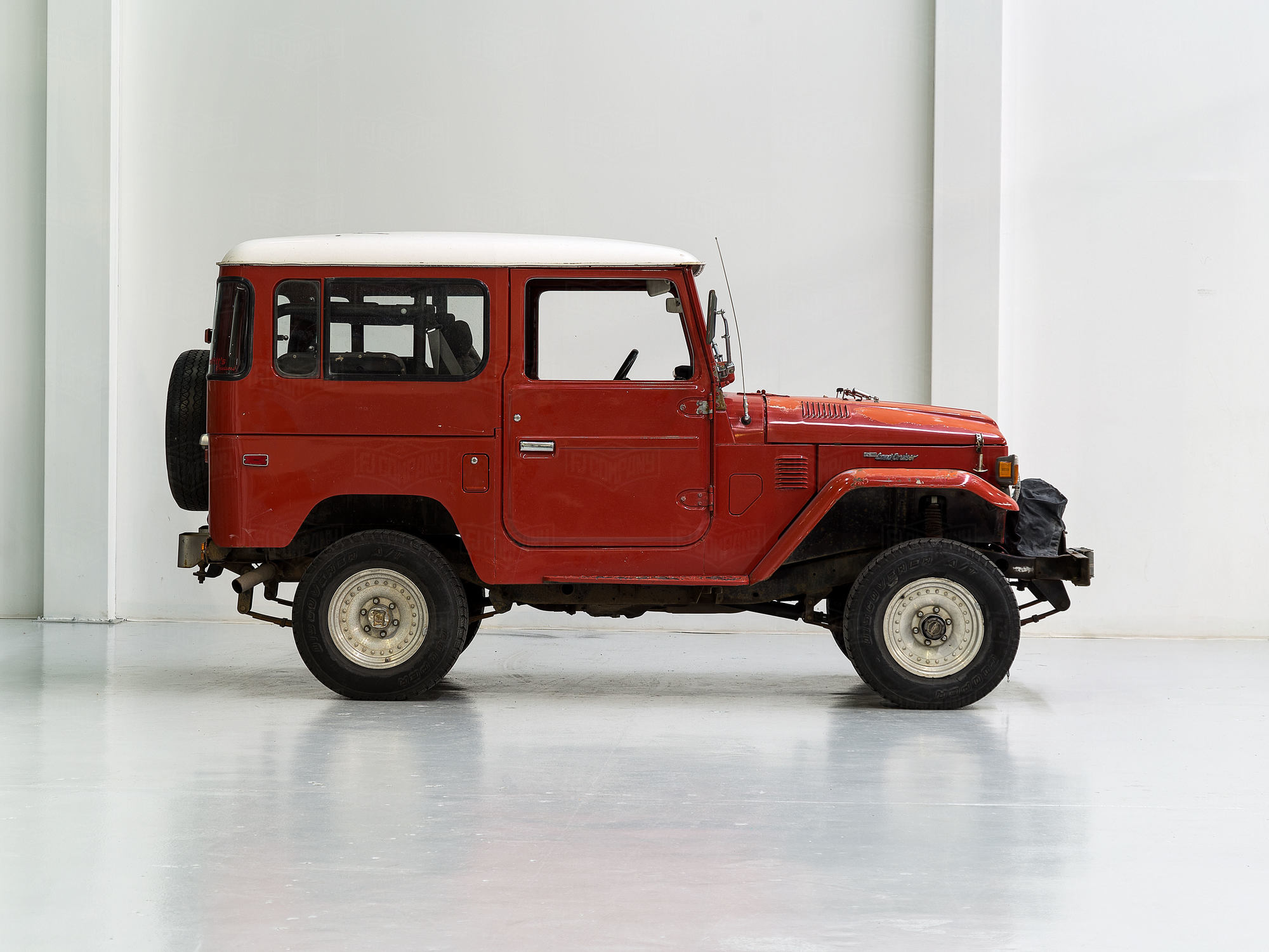 1978 Toyota Land Cruiser FJ40 Red