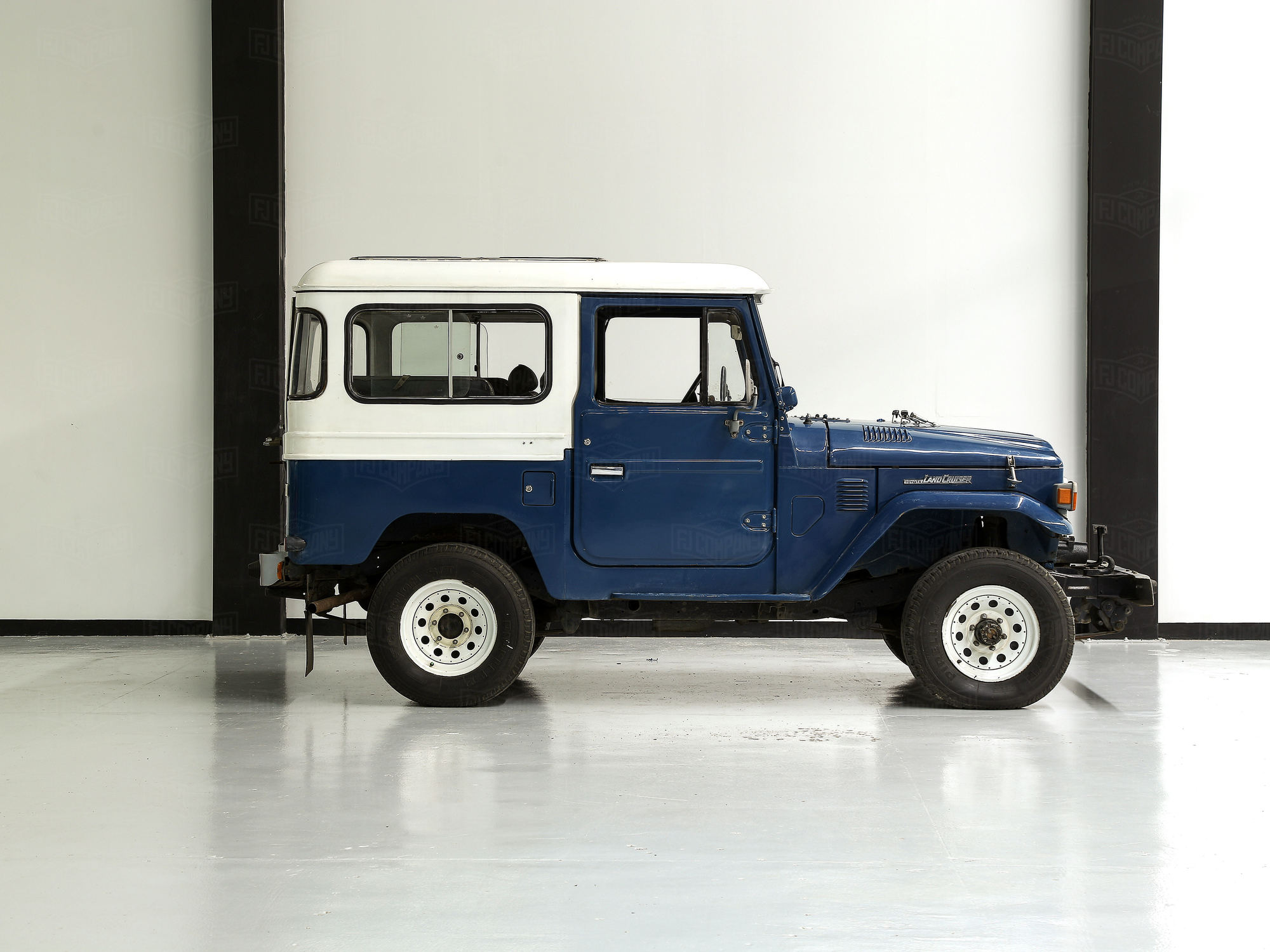 1981 Toyota Land Cruiser Blue FJ40 Blue