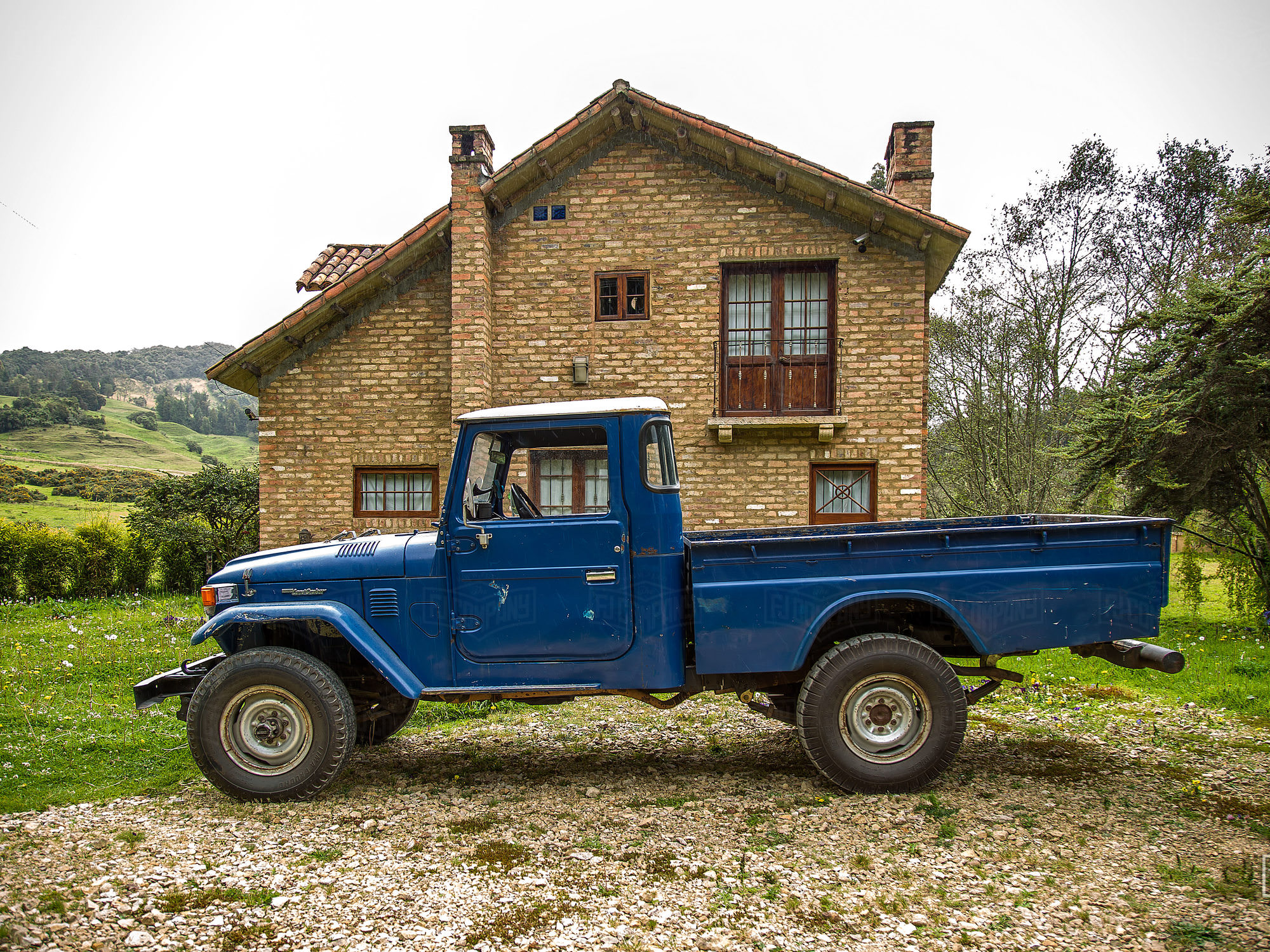 It's tough to find an FJ45 pick-up truck in such great condition.