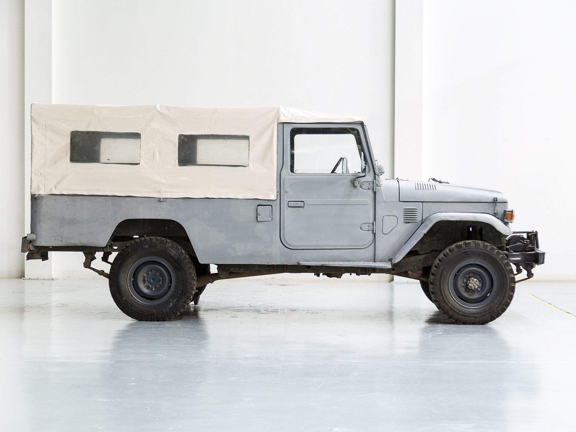 Toyota Land Cruiser 1981 FJ45 Gray