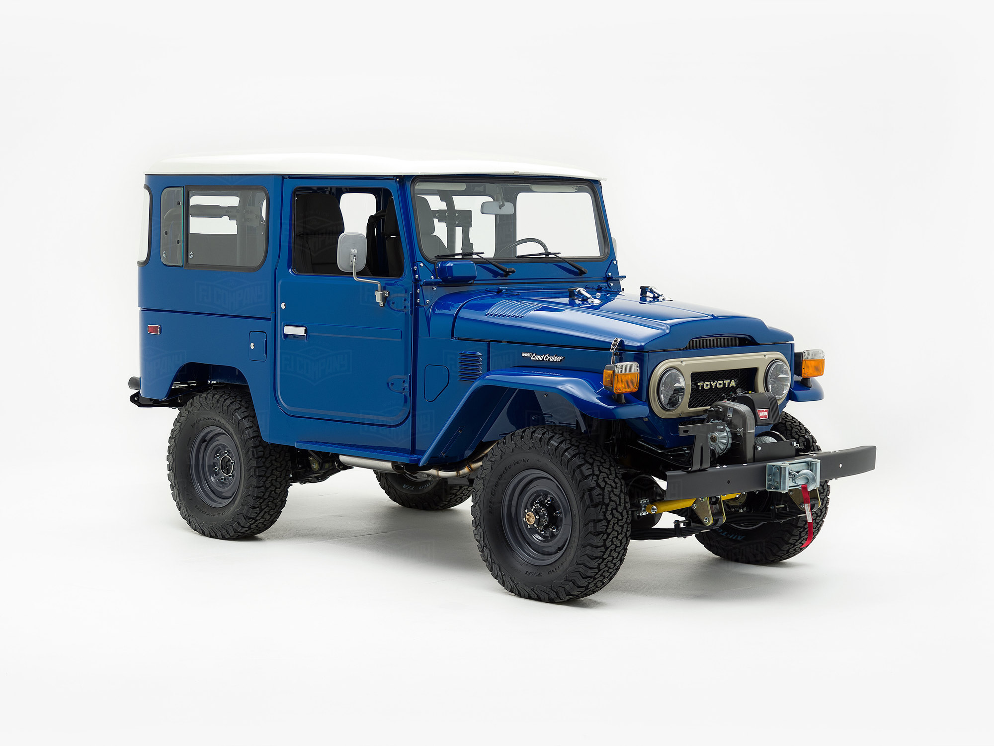 1982 Toyota Land Cruiser FJ40 Medium Blue