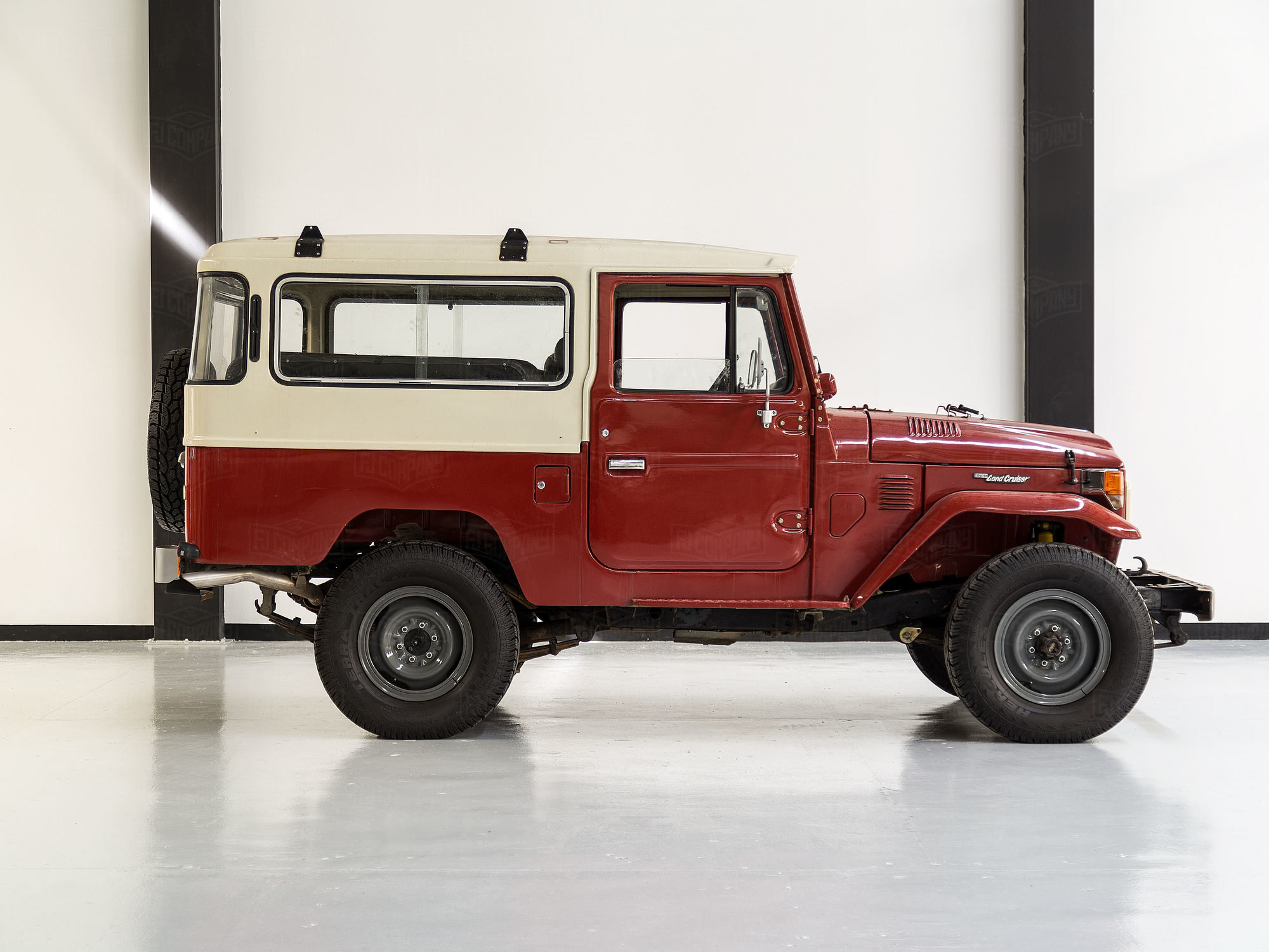 1982 Toyota Land Cruiser FJ43 Red