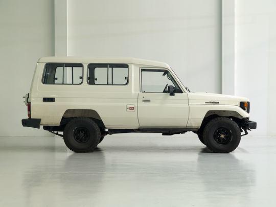 1992 Toyota Land Cruiser HZJ75 White
