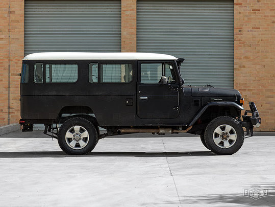 Land Cruisers for restoration - The FJ Company